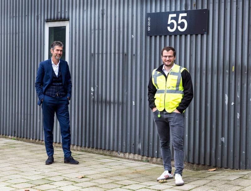 Peter Rowe, CEO at Deep Branch (R) and Marc van Doorn of Brightlands Chemelot Campus (L)