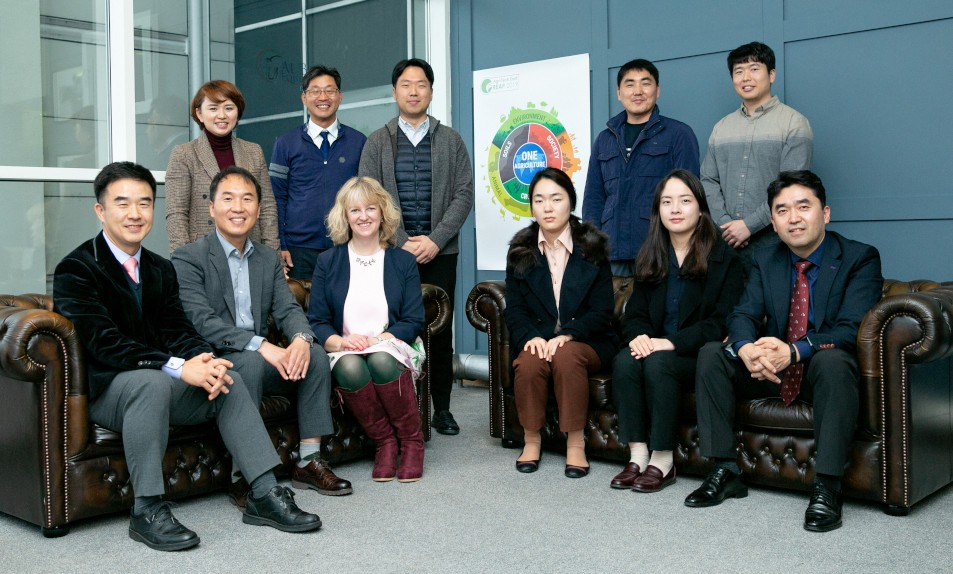 Korean delegation with Belinda Clarke at REAP 2019