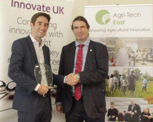Dallan Byrne (SoilSense), audience award winner, with Howard Partridge (Innovate UK)